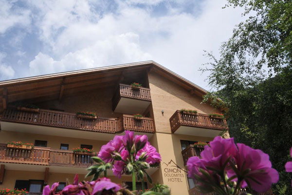 Cimon Dolomites Hotel - www.hotelcimon.it - Tel: 0462501691